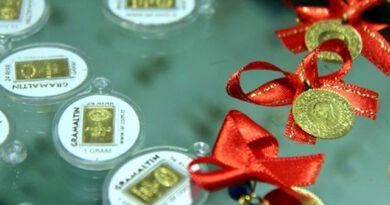 Güne düşüşle başlayan altının gram fiyatı 384,7 liradan işlem görüyor