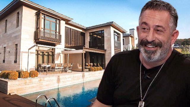 Komedyen Cem Yılmaz, villasını 2 milyon dolara satışa çıkardı