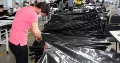 Tokat'taki tekstil firması İtalya, Fransa ve İngiltere'den 1 milyon ceset torbası siparişi aldı