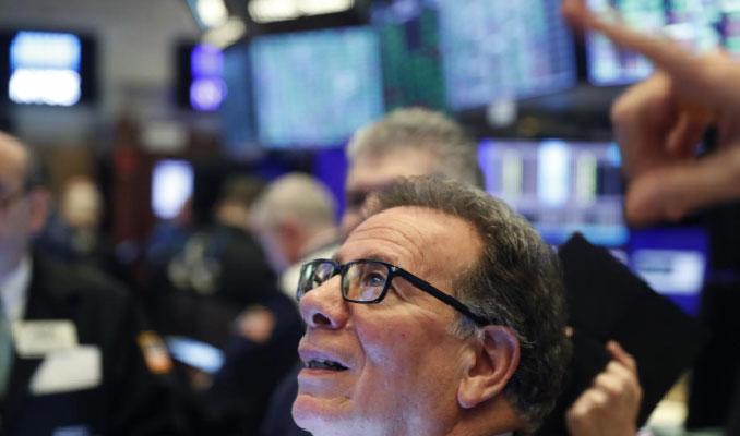 Wall Street'e satış gelse de vadelilerde yön yukarı