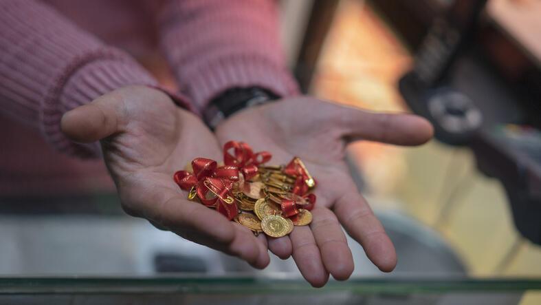 Güncel altın fiyatları ne kadar? Gram altın, çeyrek altın ve cumhuriyet altını kaç TL? 08.09.2020 Ekonomi